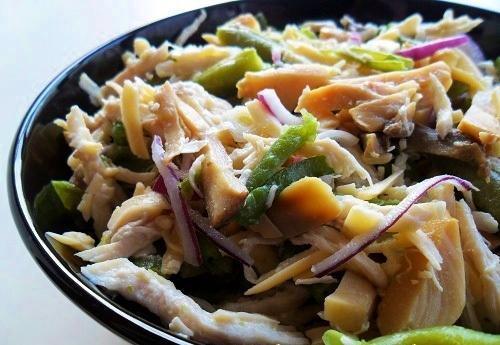 Салат из грибов стручковой фасоли и курицы